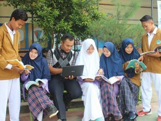 smkm-4-siswa-guru