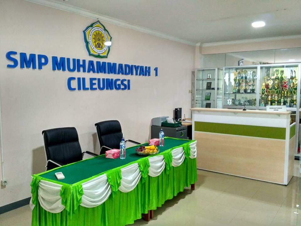 Front Ofice SMP Muhammadiyah 1
